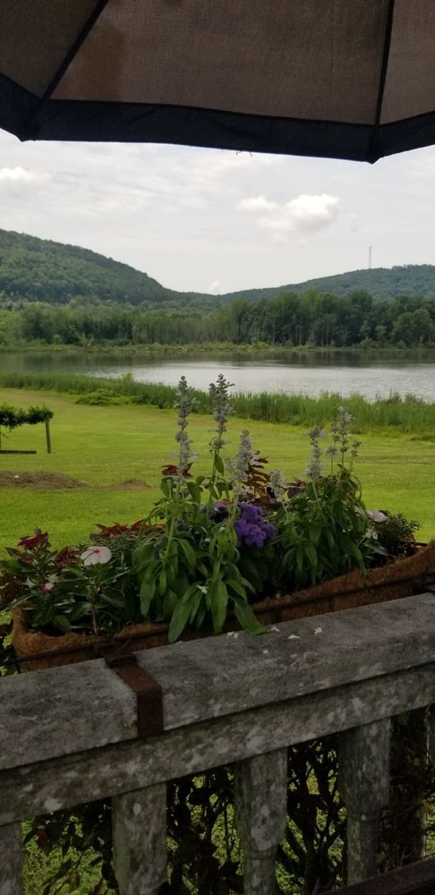 Wills Creek Vineyards: 10522 Duck Springs Rd, Attalla, AL