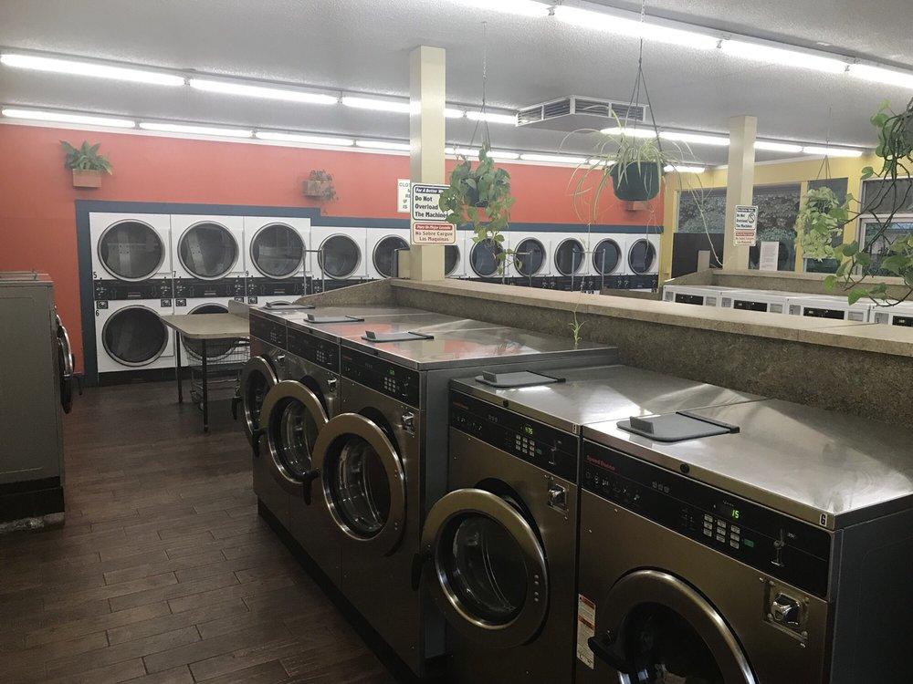 Felton Grove Laundry: 6135 Graham Hill Rd, Felton, CA