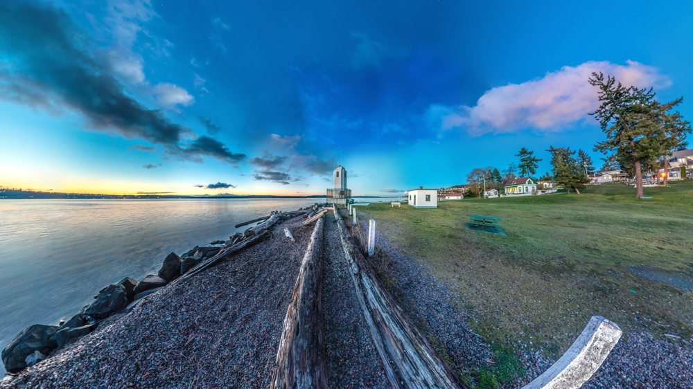 Browns Point Lighthouse Park: 201 Tulalip St NE, Tacoma, WA