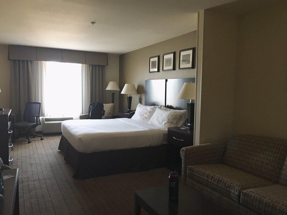 Holiday Inn Express & Suites Merced - Yosemite Natl Pk Area: 151 S Parsons Ave, Merced, CA