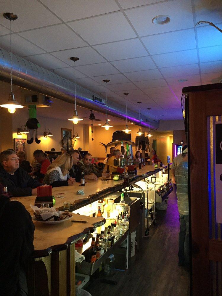 Karlsbad Tavern: 413 W Main St, Genoa, IL