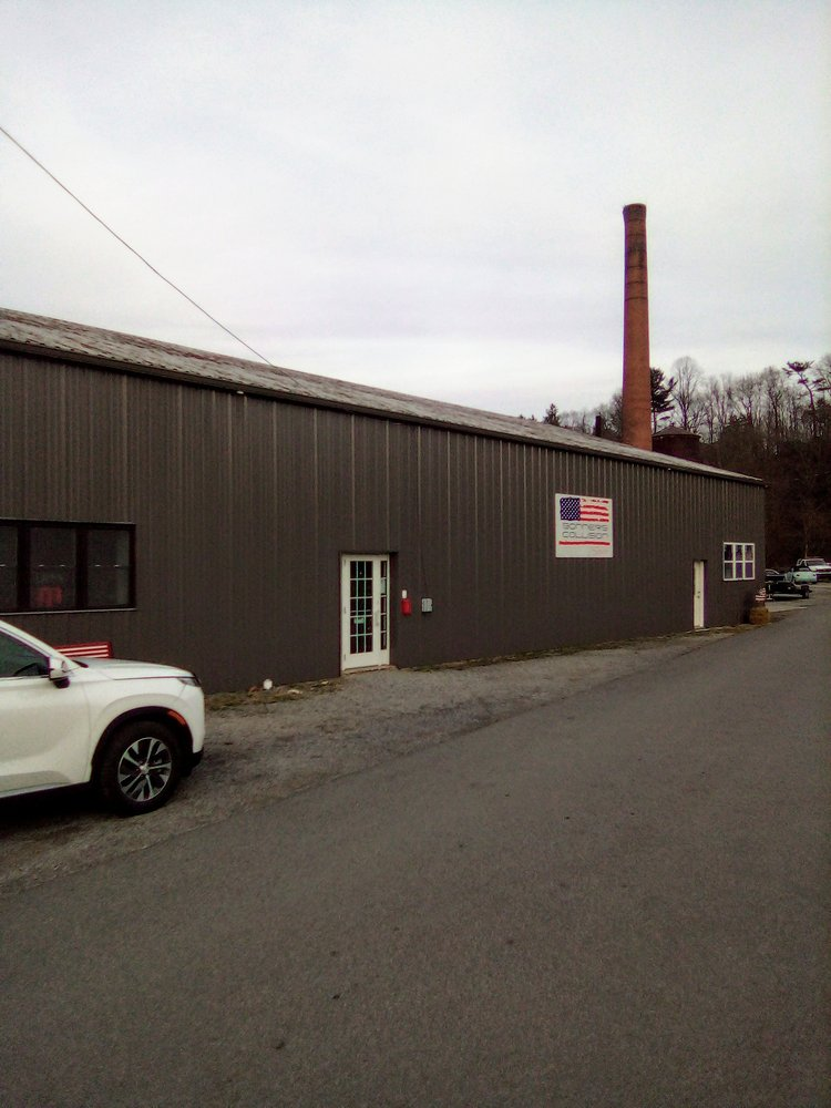 Bonner's Collision Service: 211 Pifer St, Parsons, WV