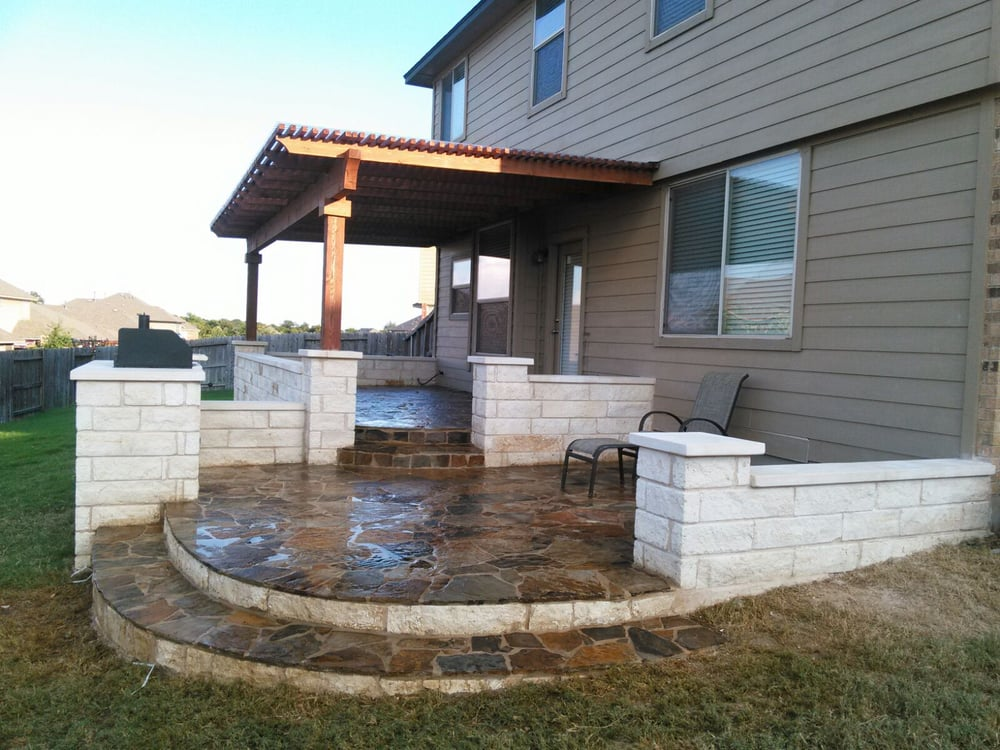 Photo of Austin Yard Builder Masonry Contractor - Austin, TX, United States. Outdoor living area, Flagstone patio and patio cover built by Austin Yard Builder  contractor.