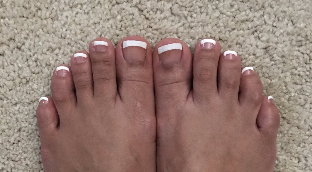 Excuse my fat toes but that French tip though, amaaaaazing! - Yelp