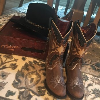 Outlaws Western Wear - 17 Photos & 16 Reviews - Shoe Stores