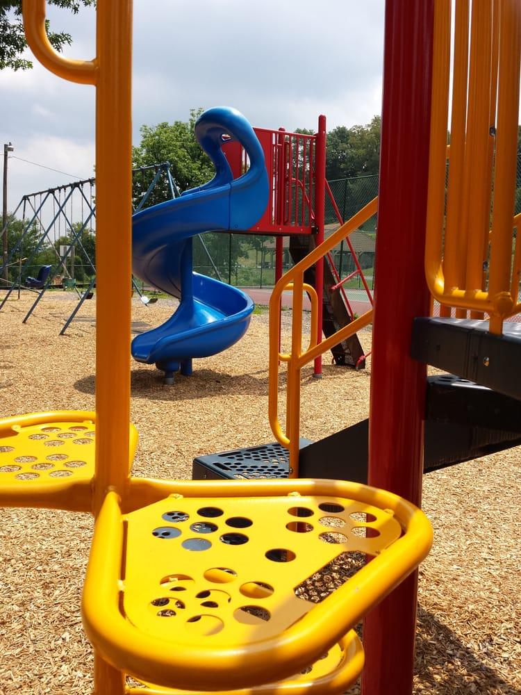 Negley Park: 418 Cumberland Rd, Lemoyne, PA