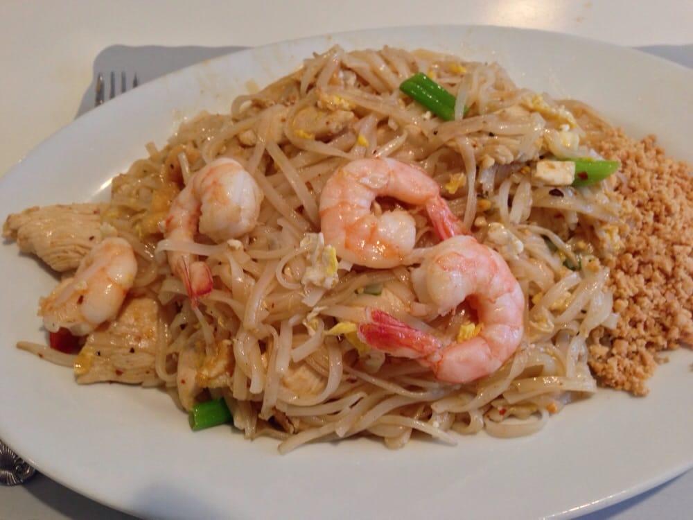 Thai Berry Kitchen: 440 Main St, Monroe, CT