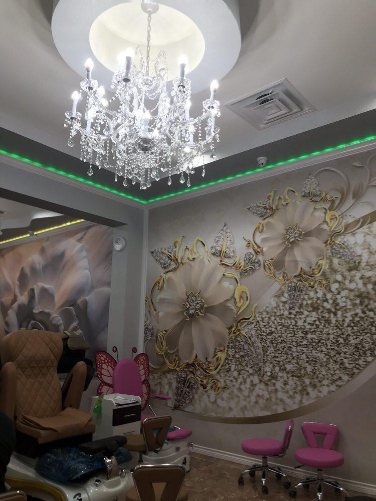 Grand Lux Nail Spa & Lounge: 920 N Vista Ridge Blvd, Cedar Park, TX