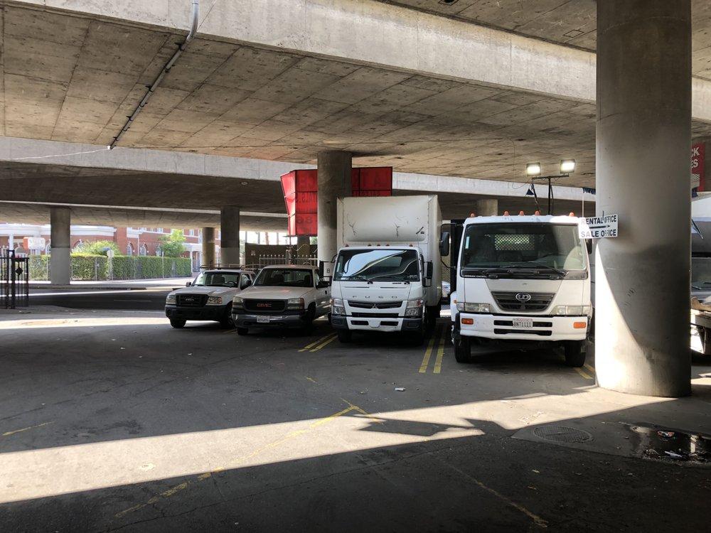 LA Truck Center