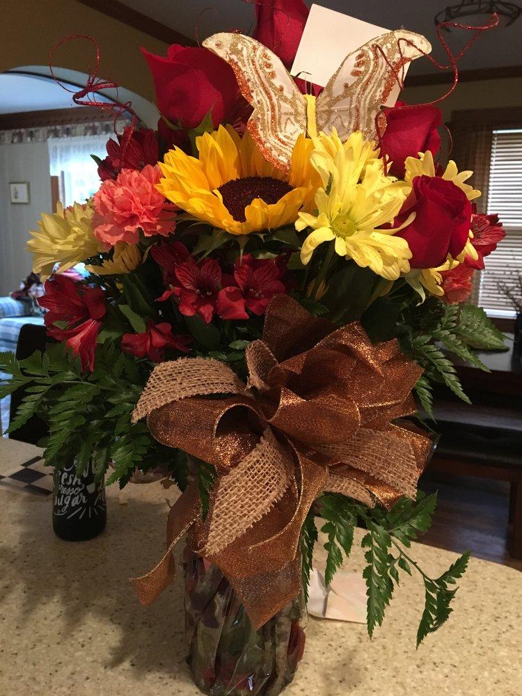 Heaven Scent Florist: 2420 Sunset Blvd, Steubenville, OH