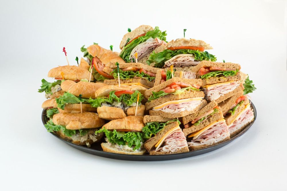 Sweet Peppers Deli - Lincoln: 2005 Lincoln Rd, Hattiesburg, MS