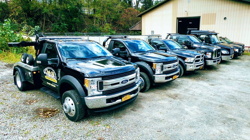 Towing business in Johnson City, NY