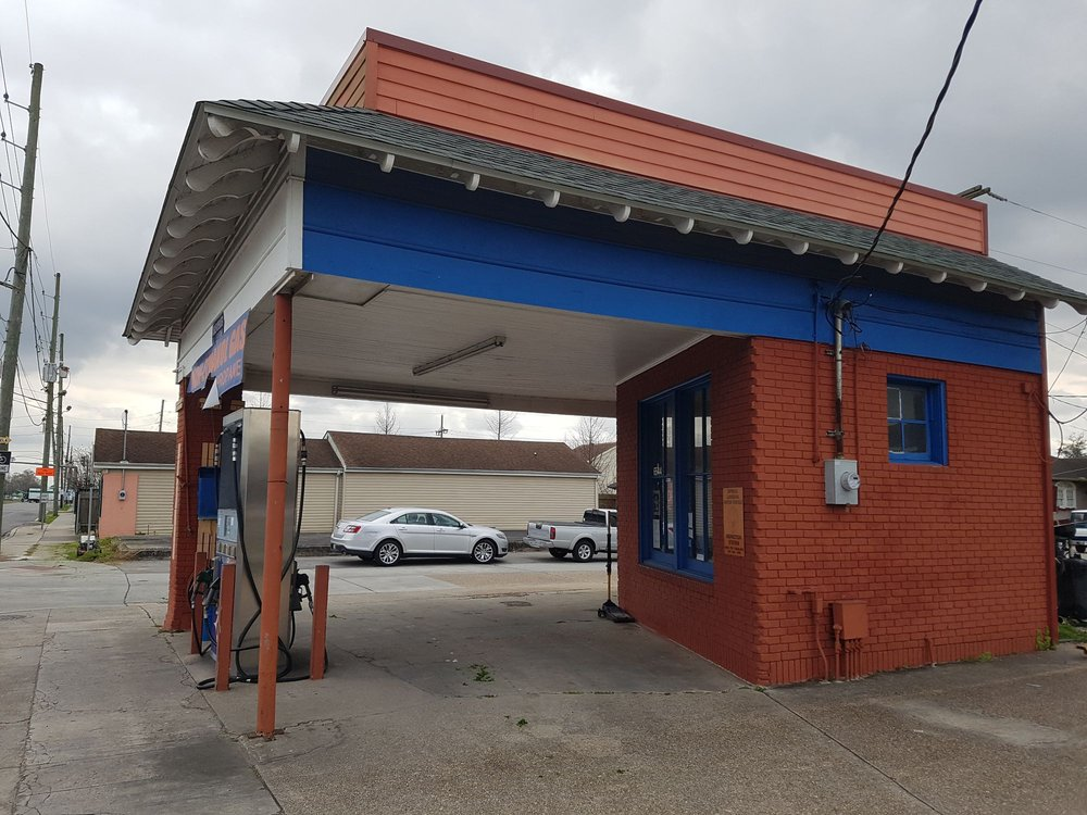 Serignan's Chevron Service: 6544 Saint Claude Ave, Arabi, LA