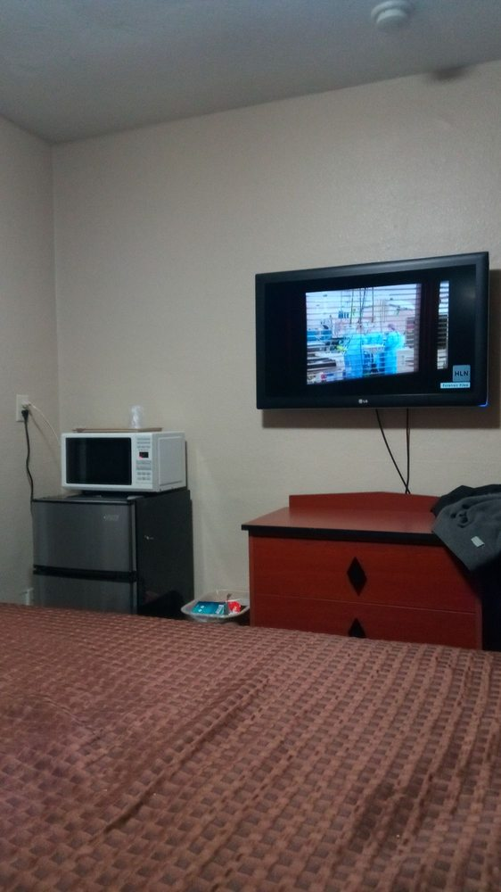 Relax Inn: 25130 US Highway 23 S, Circleville, OH