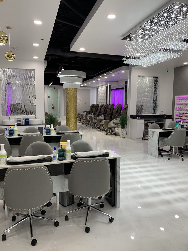 L'acqua Nails and Lashes: 4155 N Mulberry Dr, Kansas City, MO