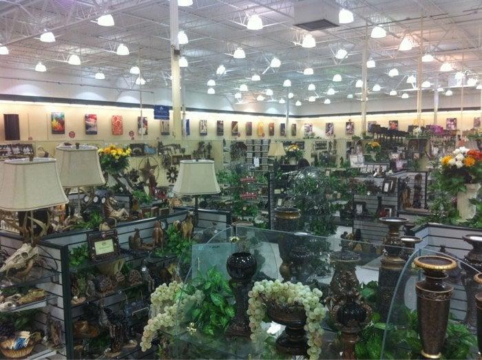 Hobby Lobby: 230 Central Pkwy, Heath, OH