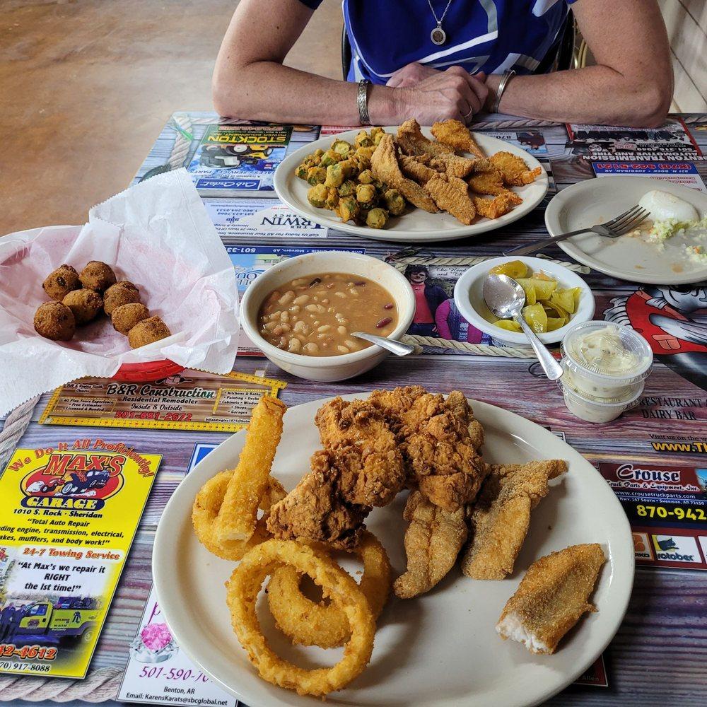 The Whippet Restaurant: 9011 Hwy 270 W, Prattsville, AR