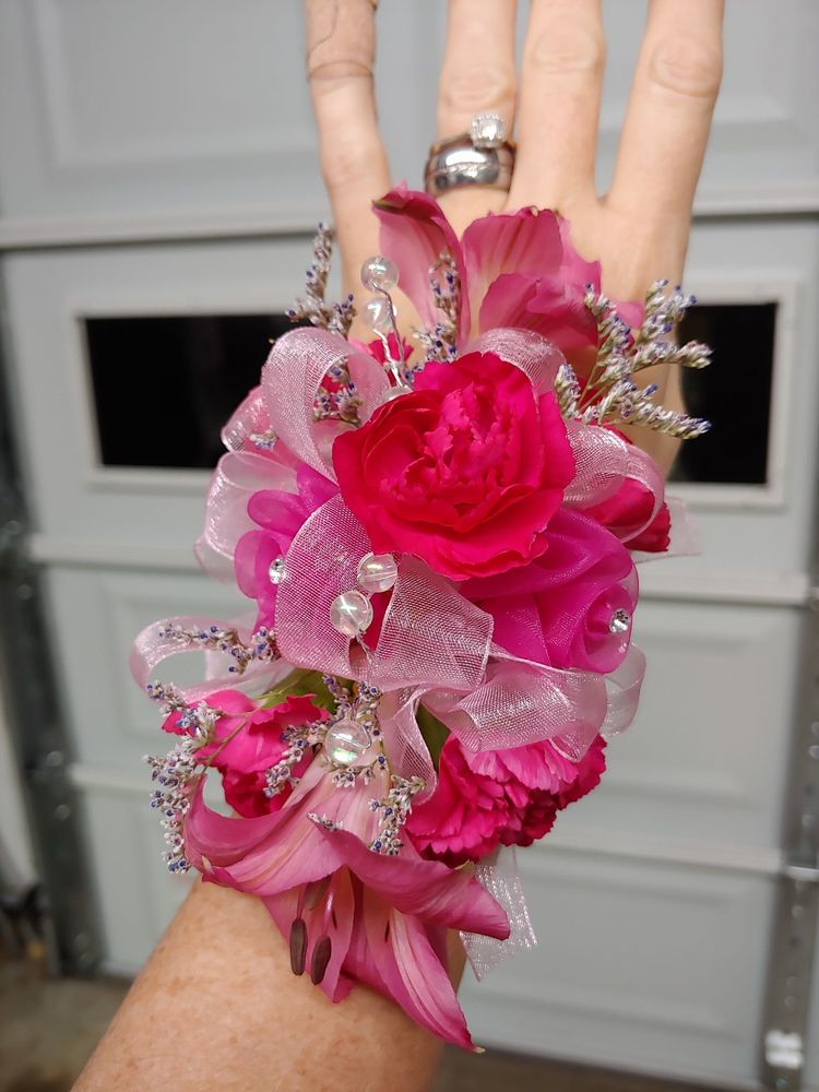 Majesty Floral Creations: 3756 Parkview Dr, Alexandria, KY
