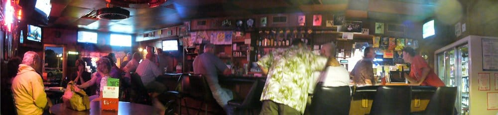 Dugout Bar: 239 E 6th St, Fremont, NE