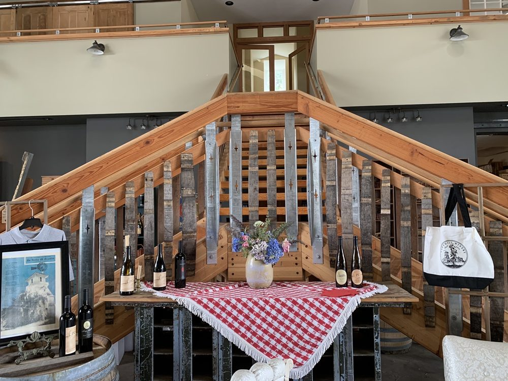 Lady Hill Winery: 8400 Champoeg Rd NE, St. Paul, OR
