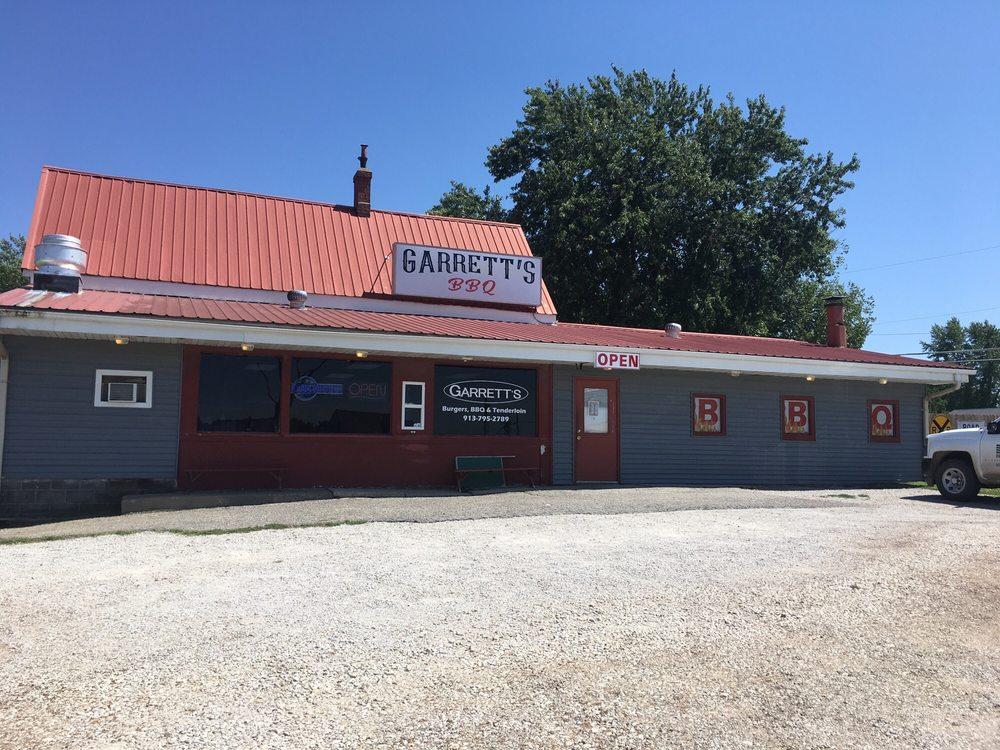 Garrett's BBQ: 827 W Walnut St, Mound City, KS