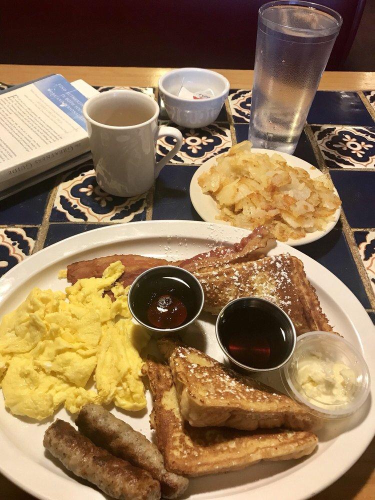 Hometown Family Restaurant: 712 W Main St, Greentown, IN