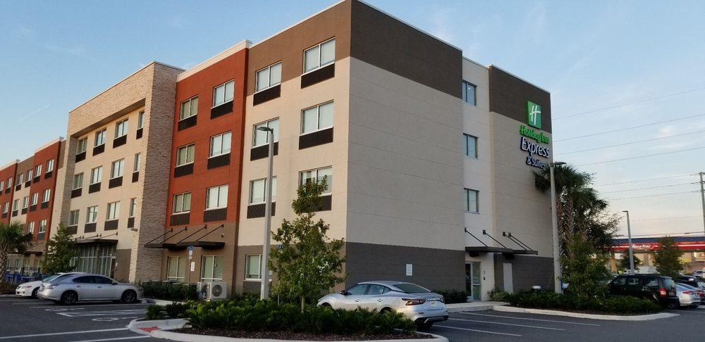 Holiday Inn Express & Suites Orlando - Lake Nona Area: 10115 William Carey Dr, Orlando, FL