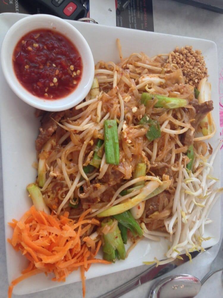 Beef pad thai 3 5 5 stars yelp for 5 star thai cuisine