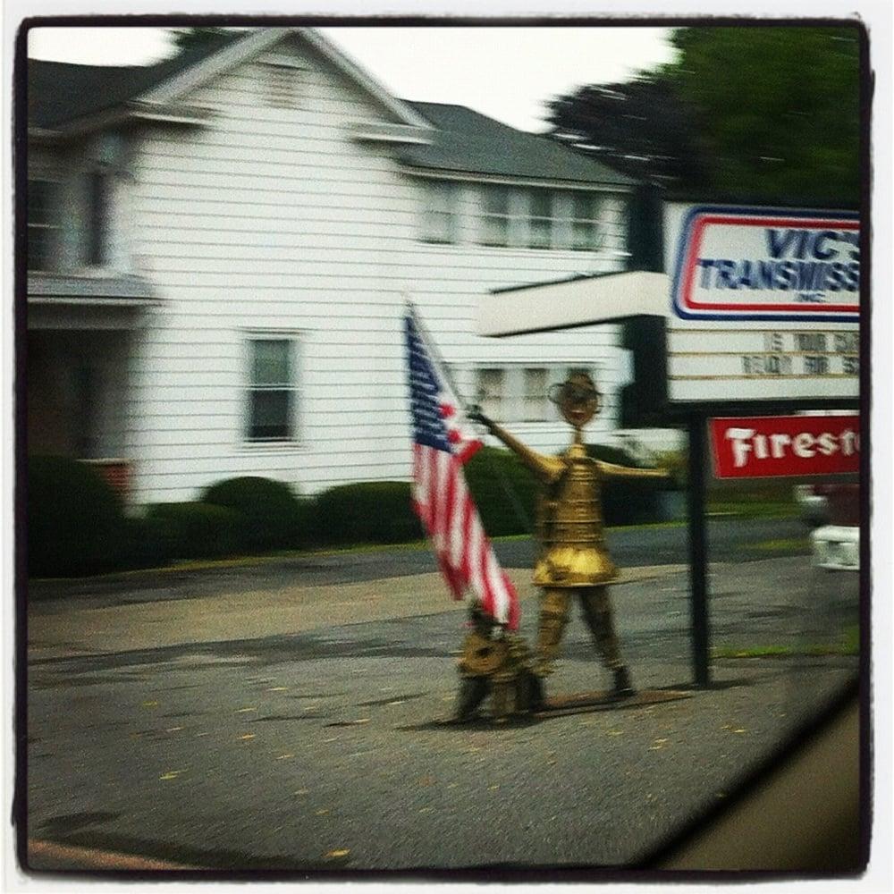 Vic's Transmission: 146 N Market St, Elysburg, PA