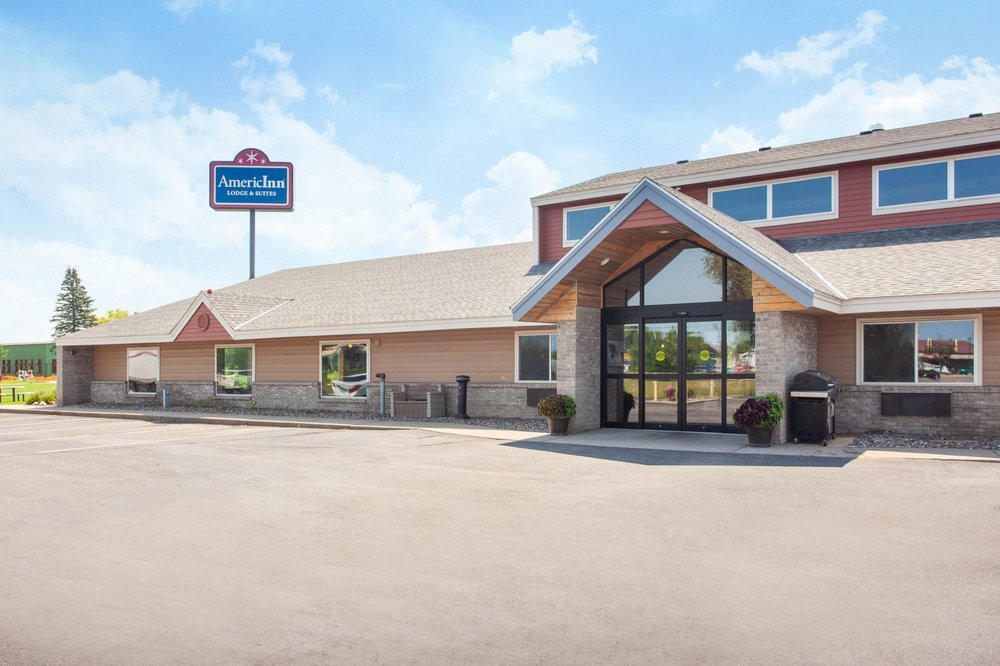 AmericInn by Wyndham St. Cloud: 4385 Clearwater Road, Saint Cloud, MN