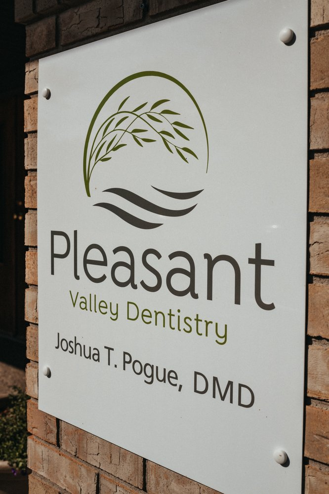 Pleasant Valley Dentistry: 3878 Middle Rd, Bettendorf, IA