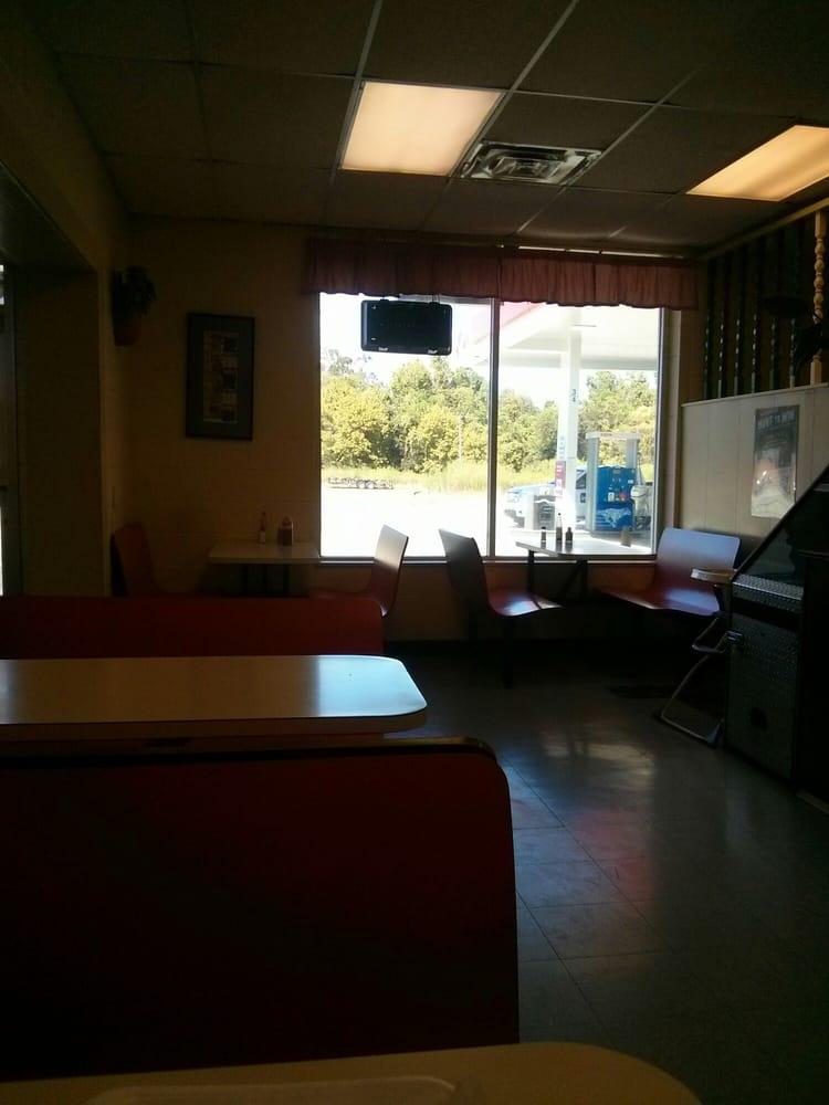 Morrow's Diner: 24442 Hwy 190, Krotz Springs, LA
