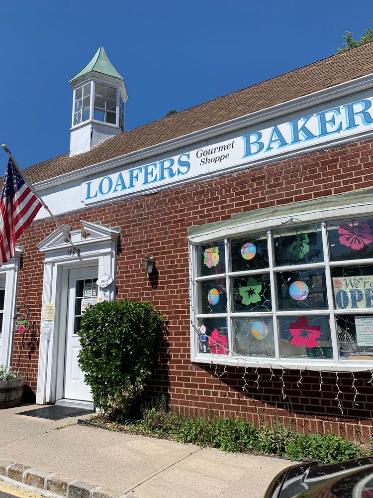 Loafers Bakery & Gourmet Shoppe: 175 Birch Hill Rd, Locust Valley, NY