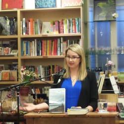 Mrs. Dalloway's Bookstore logo