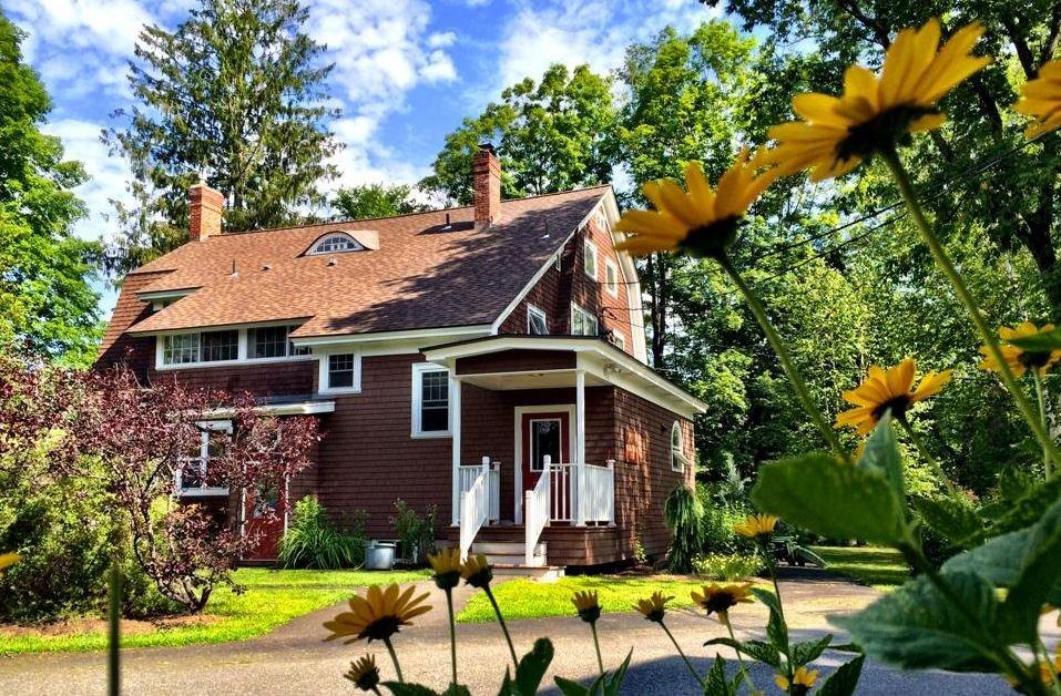 Spruce Mountain Inn: 155 Towne Ave, Plainfield, VT