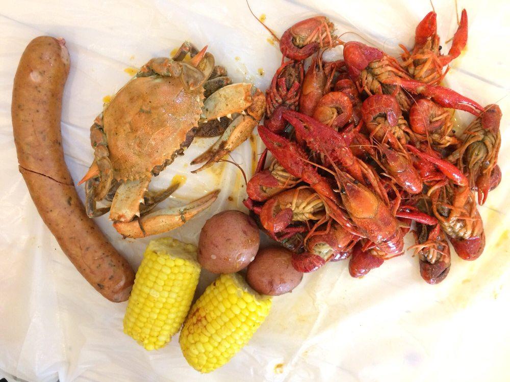 LA Crawfish: 1303 S 10th St, McAllen, TX
