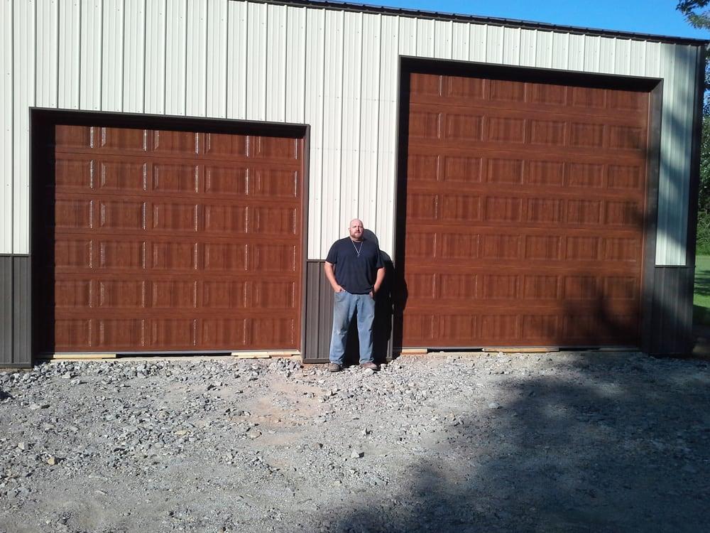 Right Track Garage Door: 6925 NE 53rd St, Kansas City, MO