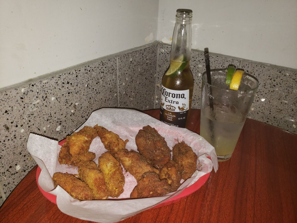 Griff's Restaurant & Sport Lounge: 4245 Portsmouth Blvd, Portsmouth, VA