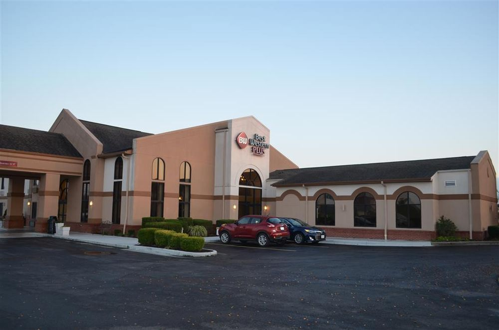Best Western Plus Sikeston: 120 S Interstate Dr, Sikeston, MO