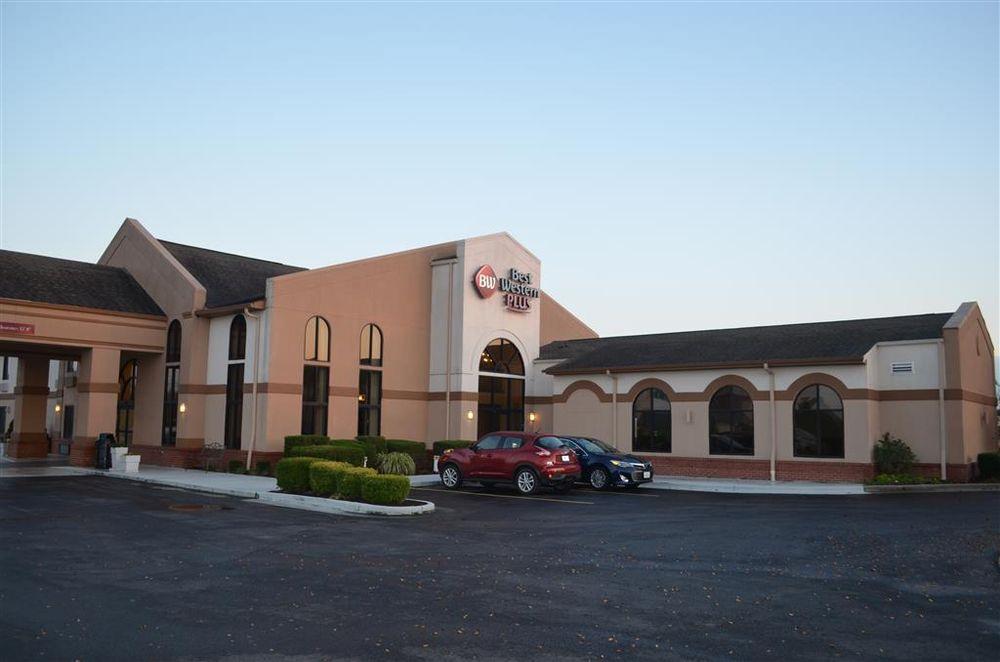 Best Western Plus Sikeston: 120 S Interstate Dr, Sikeston, MO