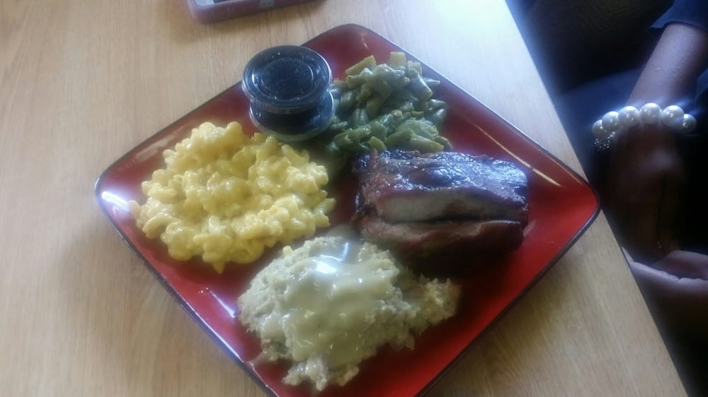 Ms. J's Cafe & Catering Service: 13303 Highway 11 S, Fosters, AL