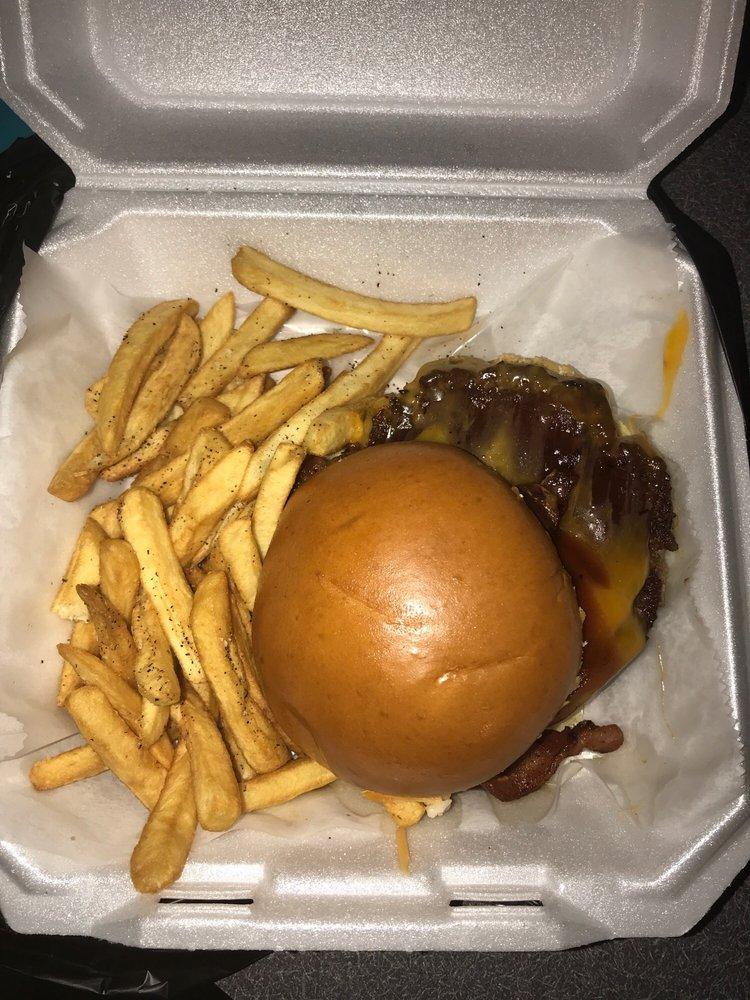 JJS Kitchen: 561 Erial Rd, Pine Hill, NJ