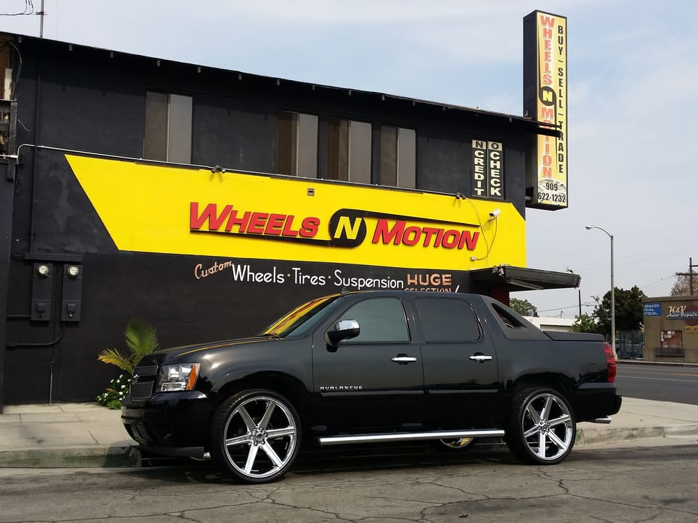2007 Chevy Avalanche On 26 Quot Iroc Wheel Yelp