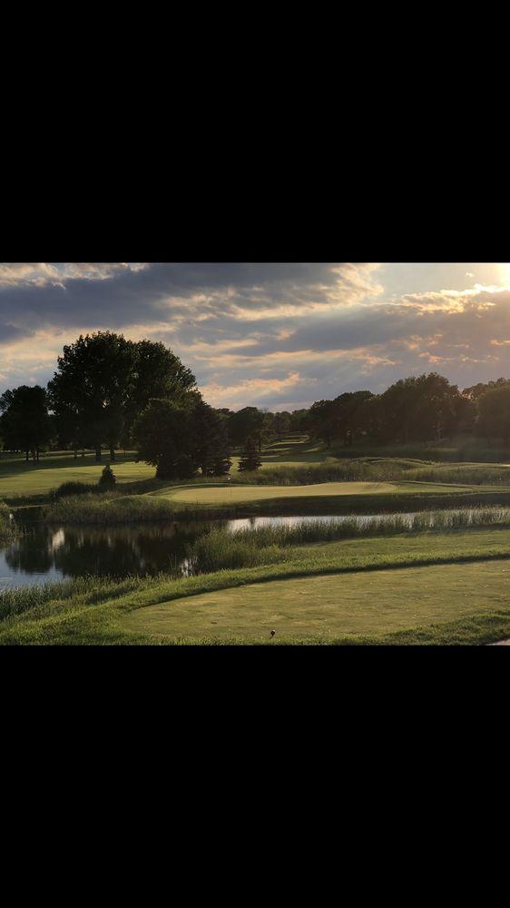 Moorhead Country Club: 2101 N River Dr, Moorhead, MN