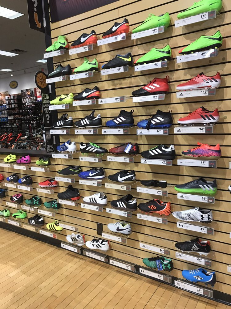 DICK'S Sporting Goods - Sports Wear - 5105 Transit Rd, Williamsville, NY -  Phone Number - Yelp