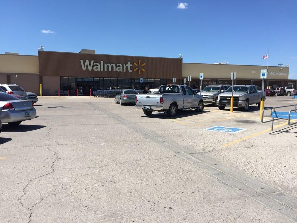 Walmart: 2214 N 1st St, Carrizo Springs, TX