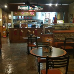 Good Photo Of Round Table Pizza   Dana Point, CA, United States.