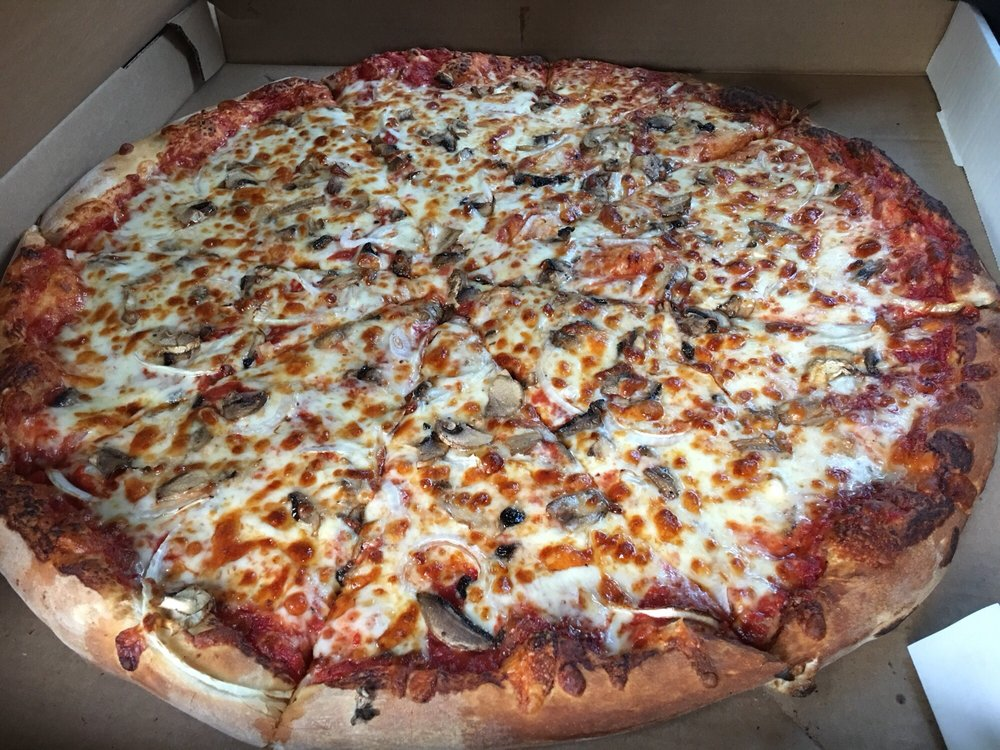 Charlie Mac's Pizzeria: 17 E Main St, Warner, NH