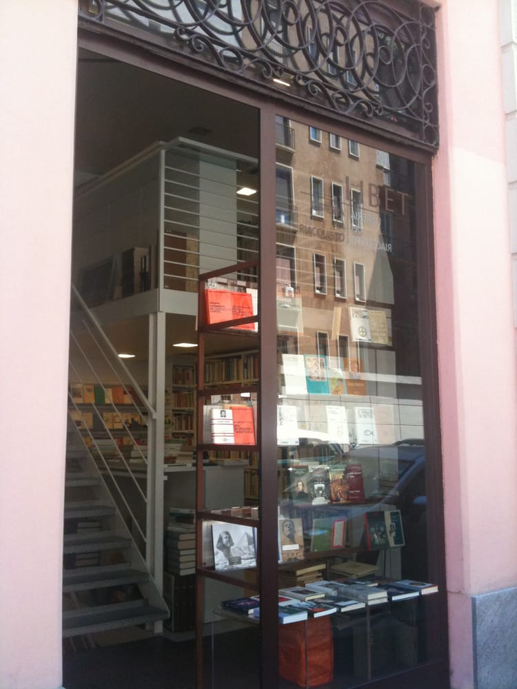 Libet librerie via terraggio 21 centro storico for Librerie usato milano