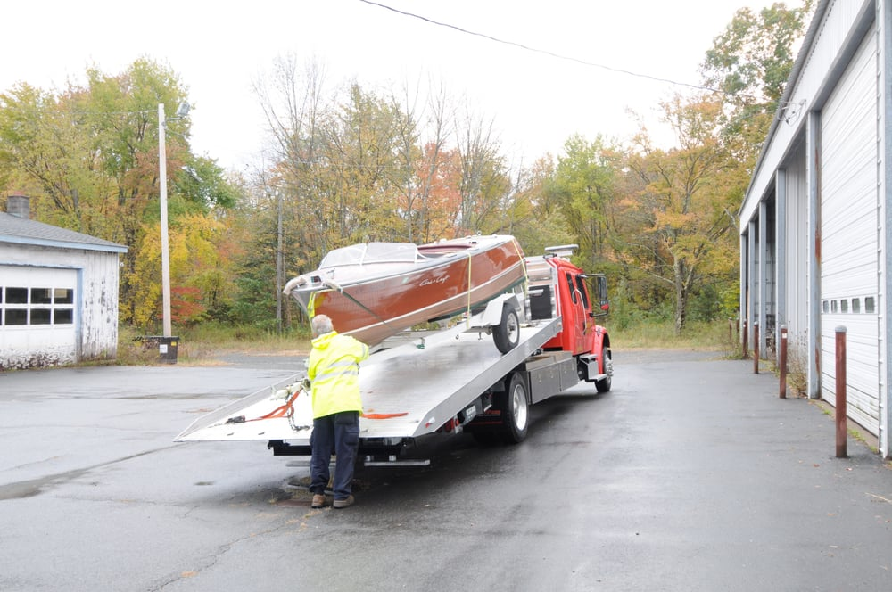 Towing business in Canton, CT